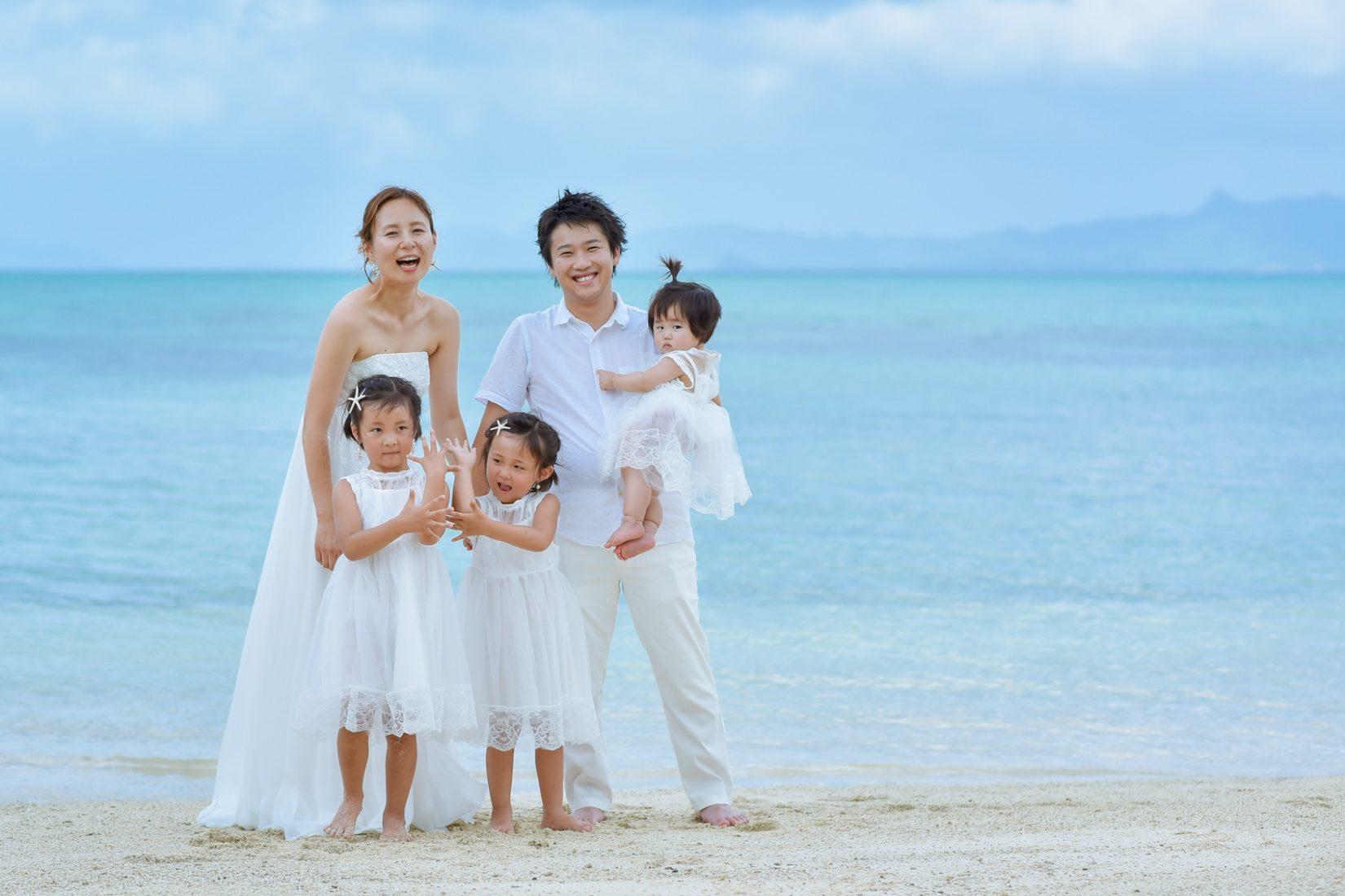 【レポ#35】白で統一した爽やかコーデ♡ M様ファミリーの家族写真