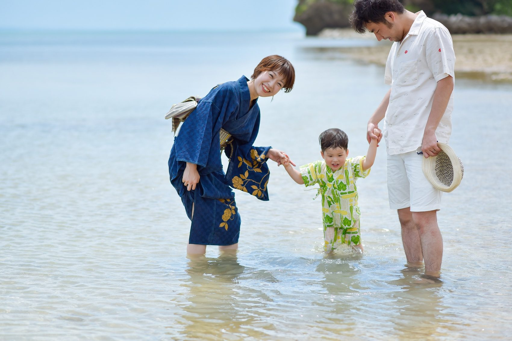 小浜島の海に入って