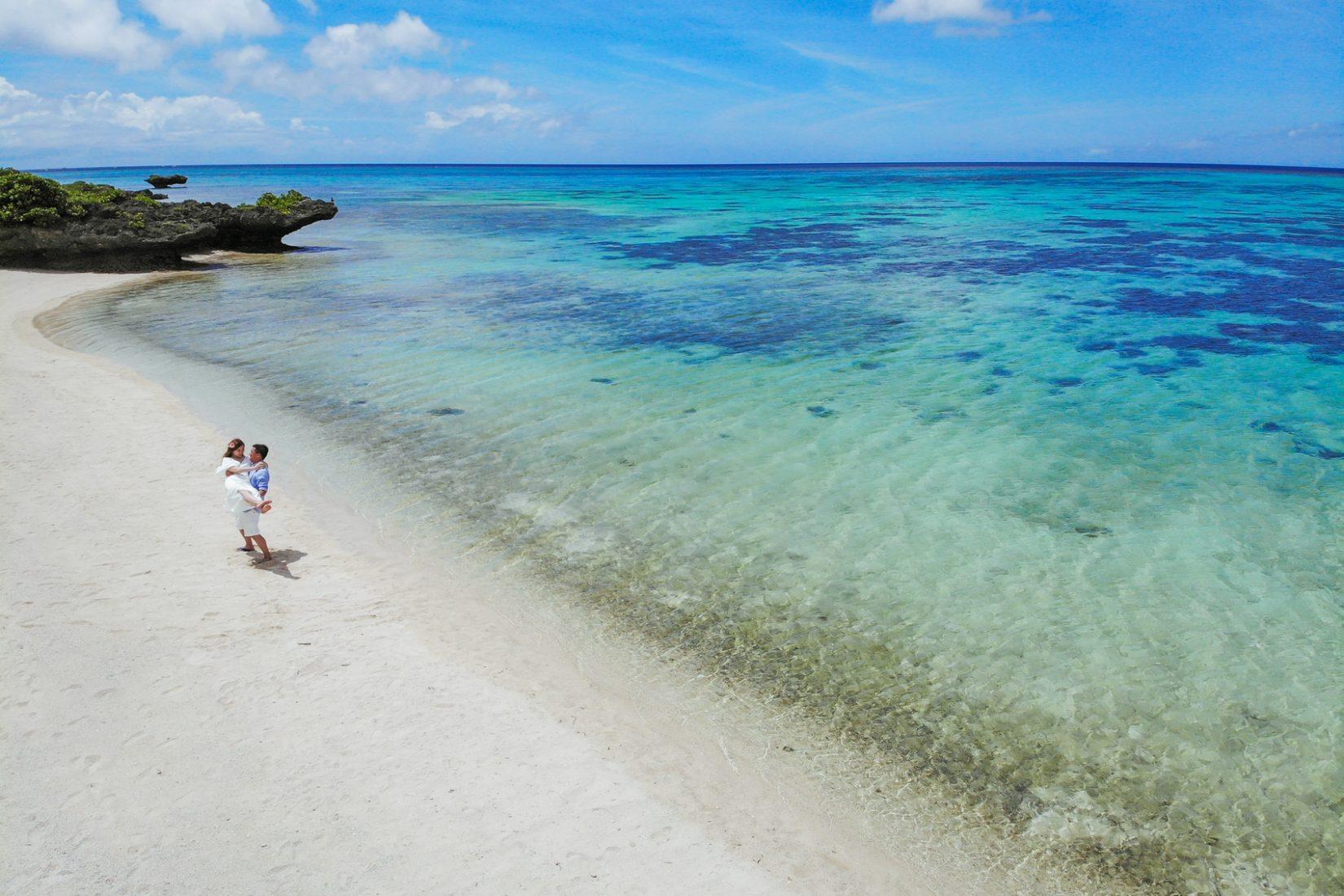 【レポ#30】ビーチでドローン空撮も♡香港からお越しのA様&K様の前撮りフォト