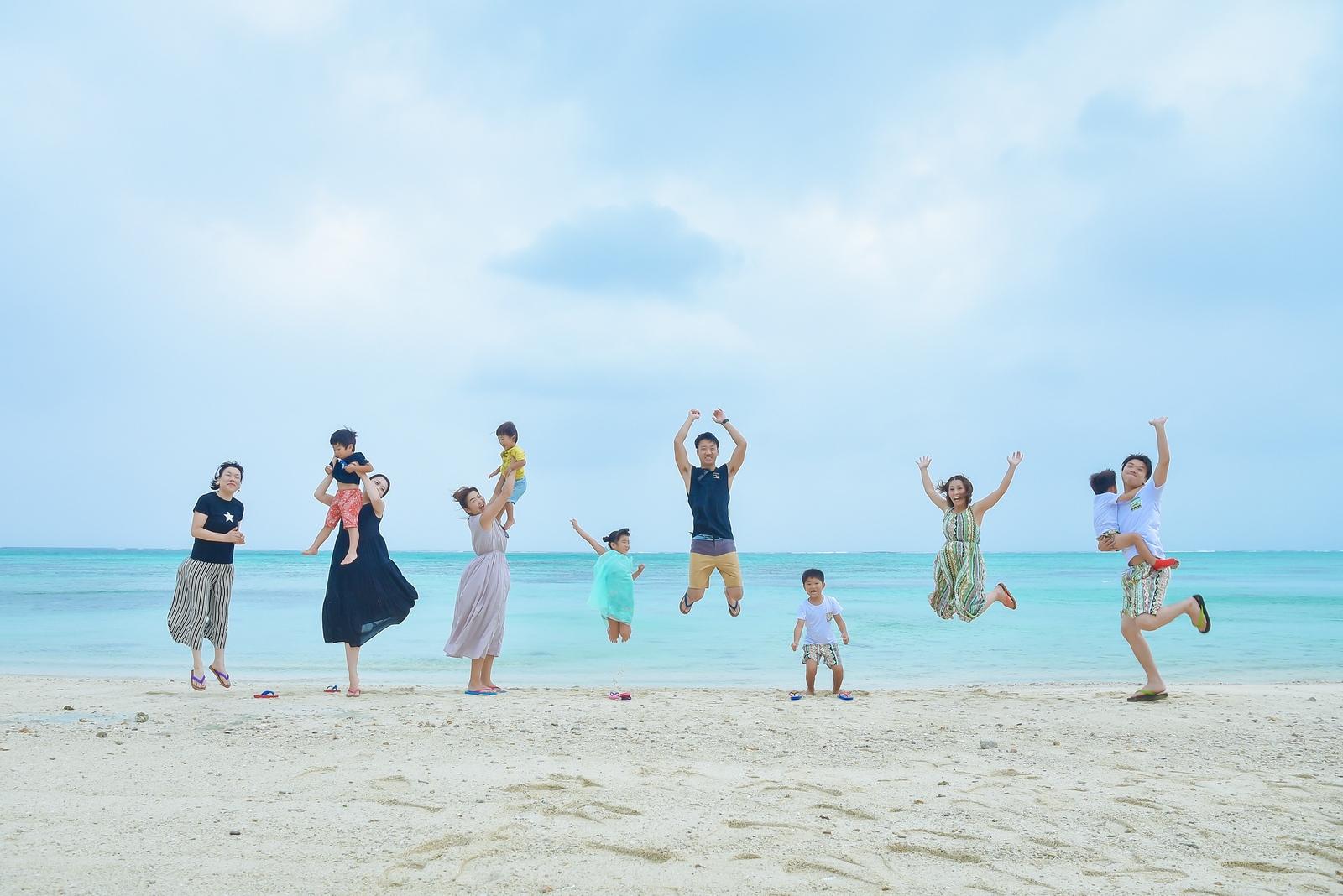 【レポ#41】総勢11人で家族写真♡ I様ファミリーは川平タバガービーチで撮影