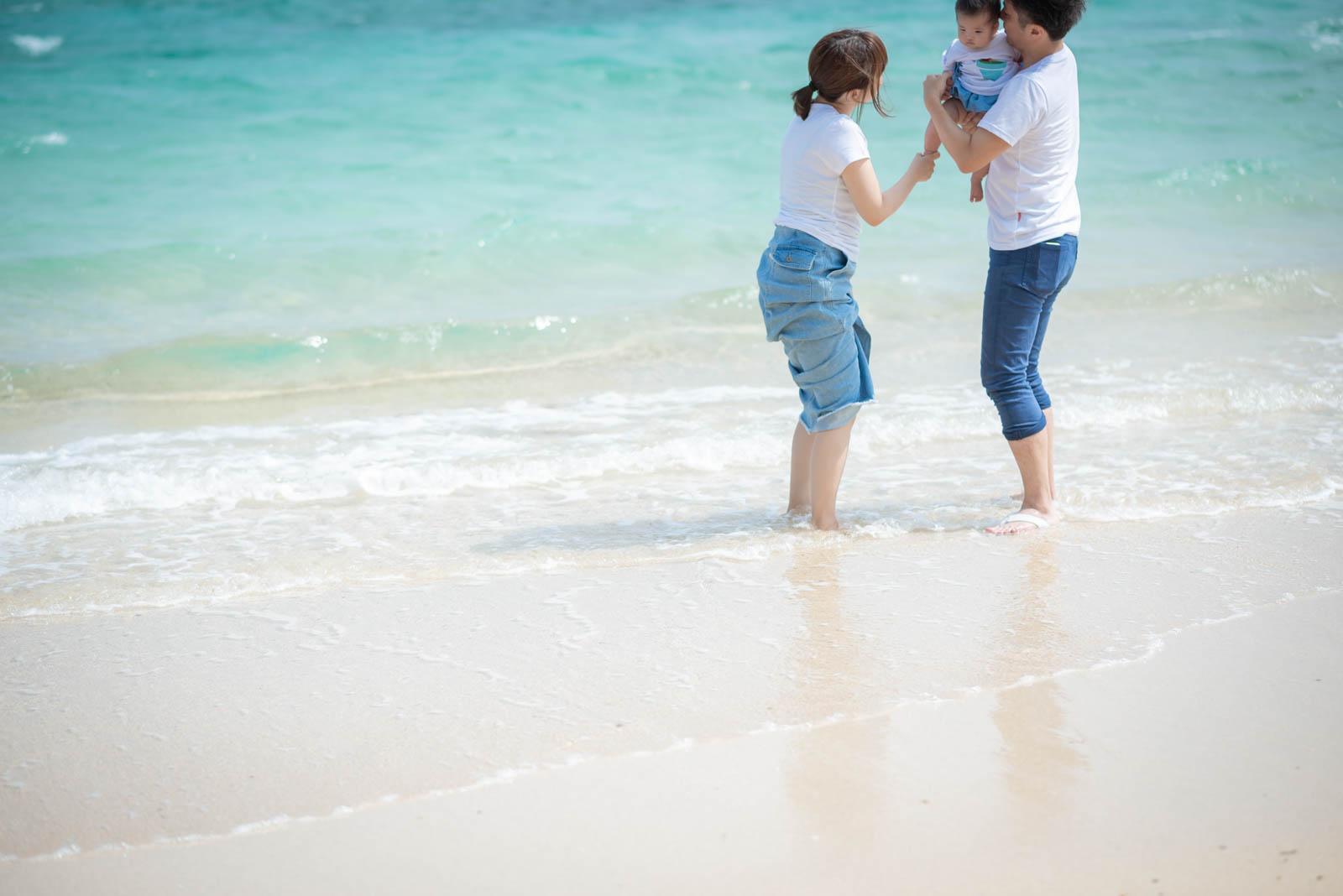 小浜島の海に入って撮影