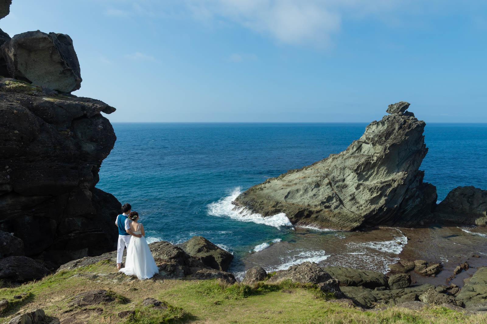 御神崎灯台の崖