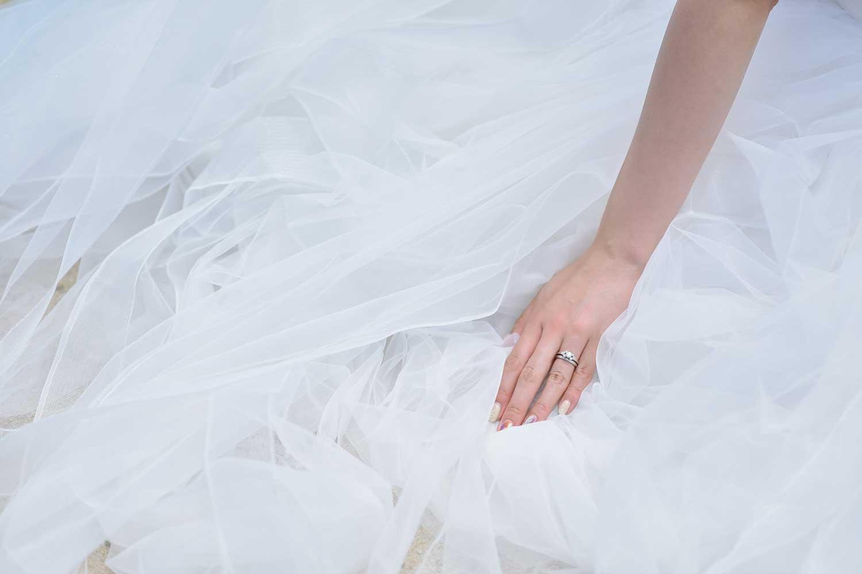 花嫁様の手元にフォーカス