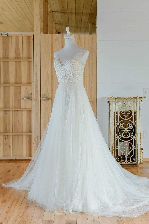 肩つき プリンセスドレス